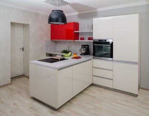 Look – Alabastr / Červená Maranello